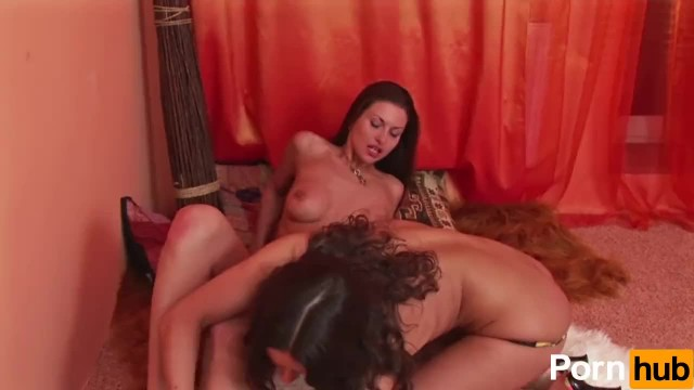 Long Haired Lesbos Fingerfuck Eachother