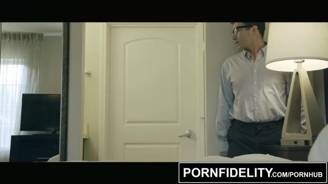 PORNFIDELITY Moka Mora Hot Girl next Door