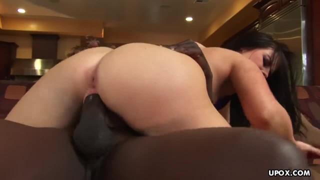 Phat Ass White Chick Daphine Rosen Bounces on Black Dick