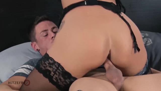 HITZEFREI Smoking Hot Babe Fucks her Stepson