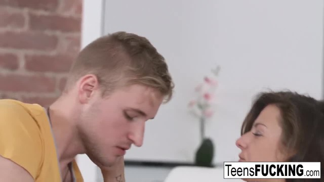 A Romantic Date Ends in a Creampie for Young Sandra