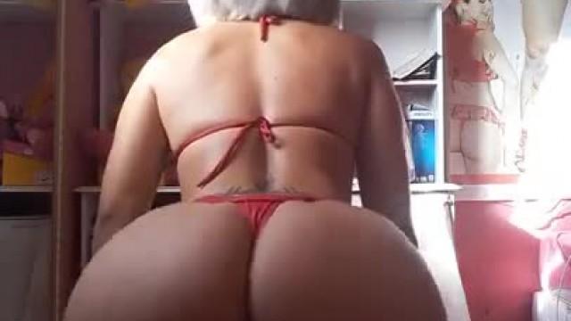 Brazilian Bikini Twerk
