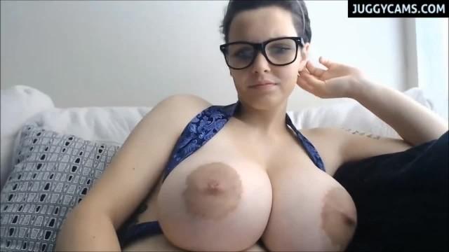 Huge Natural Boobs Live on Cam