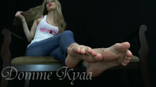 Kyaa #4 - Jerk off to my Sexy Soles!