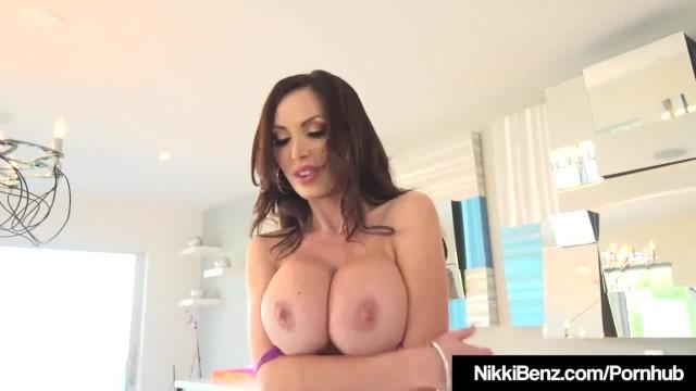 Brunette Babe Nikki Benz Devours 2 Long Shlongs