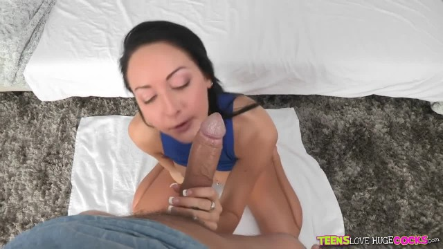 Teens Loves Huge Cocks - Brunette Cutie Loves Big Dick