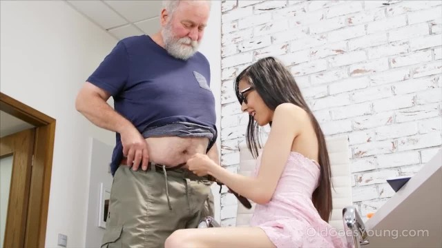 Old goes Young Slim Babe Spices the Boring Additional Lesson