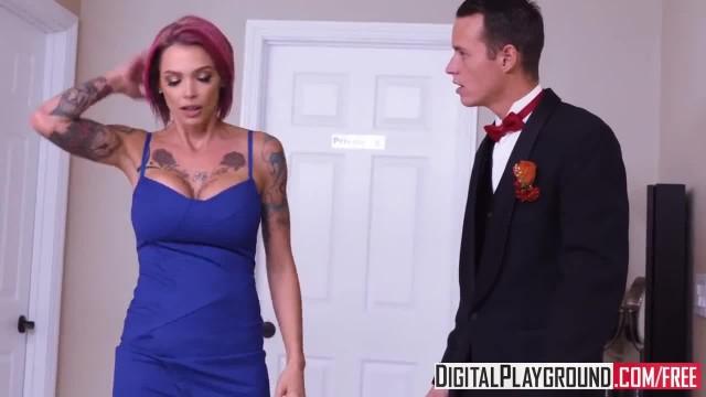 Wedding Belles Scene with Anna Bell Peaks&Justin Hunt