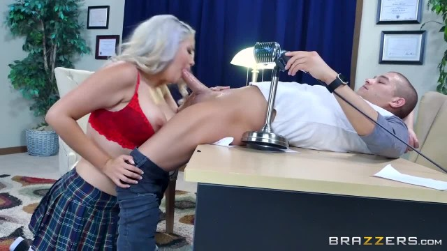 School Girl Alix Lovell gets Pounded - Brazzers