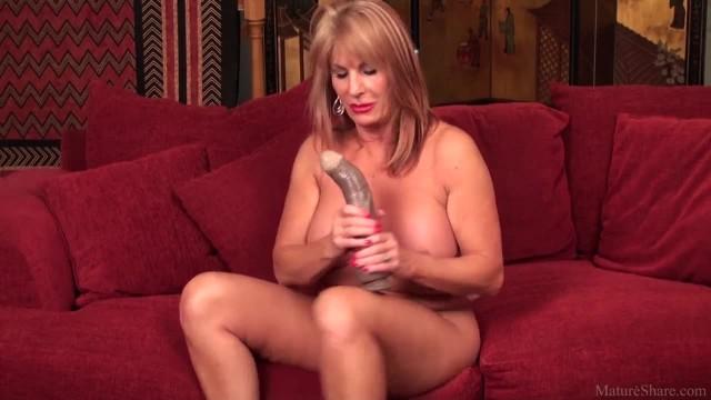 Sexy Mature Lady Porn Video