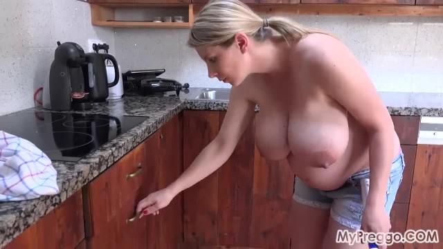 Pregnant Katerina Fucks herself with a Massage Wand!