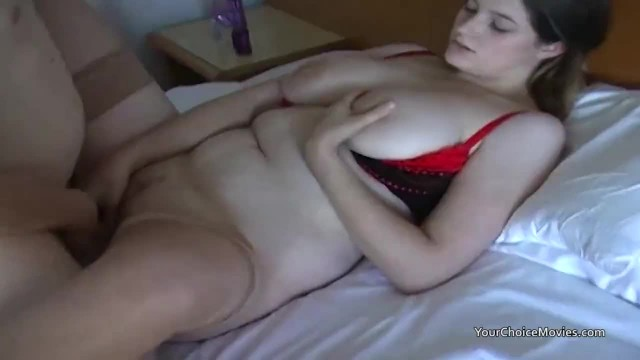 Homemade Vid of Pale Chubby Girlfriend with Boyfriend