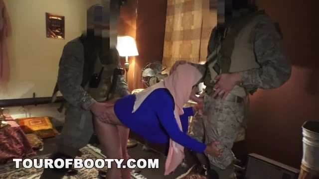 TOUR OF BOOTY - Local Arab Prostitute Servicing American Soldiers