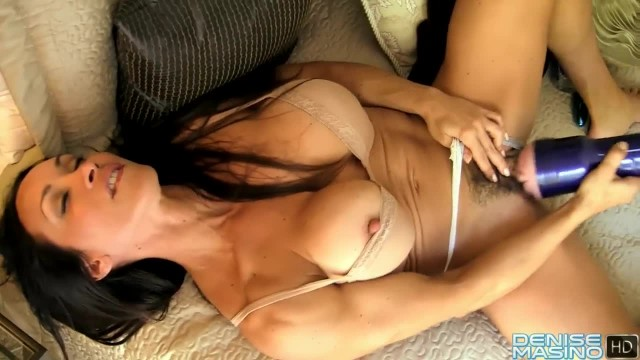 Muscle MILF Fucks a Fleshlight with her Oversized Clit