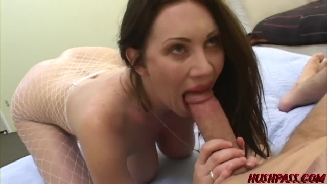 Rayveness gets her Bubble Butt Cheeks Spread while Riding Big Cock
