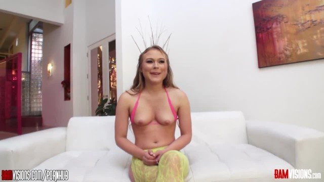 This is why this Petite Teen Alyssa Cole is a Good Pornstar