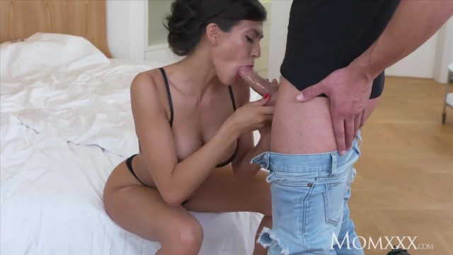 MOM Big Tits USA MILF needs Hot Hard Fuck and Facial from Hired Stud