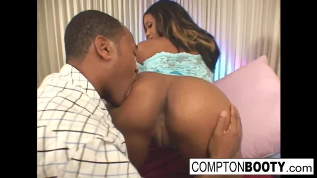 Sydnee Capri Takes it Hard in the Ass
