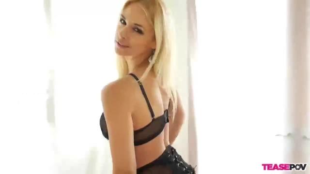 Blonde Sexbomb POV Blowjob