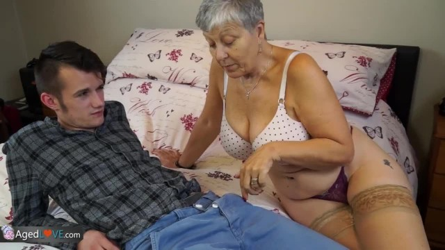 AgedLove Granny Savana Rides Young Sam Bourne