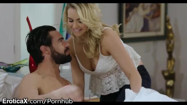 Hubby Cheats with Mia Malkovas Natural Hotness