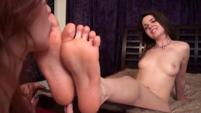 Lesbian Foot Worship 3