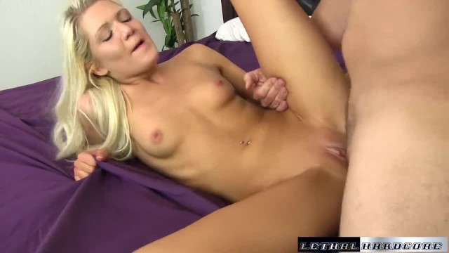 Ashlee has a Creampie Fetish and wants her Cunt Full of Cum
