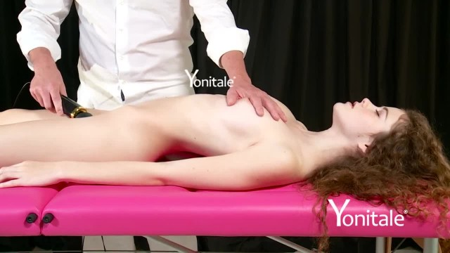 Yonitale: Virgin Vanessa has Amazing Orgasm with Squirting
