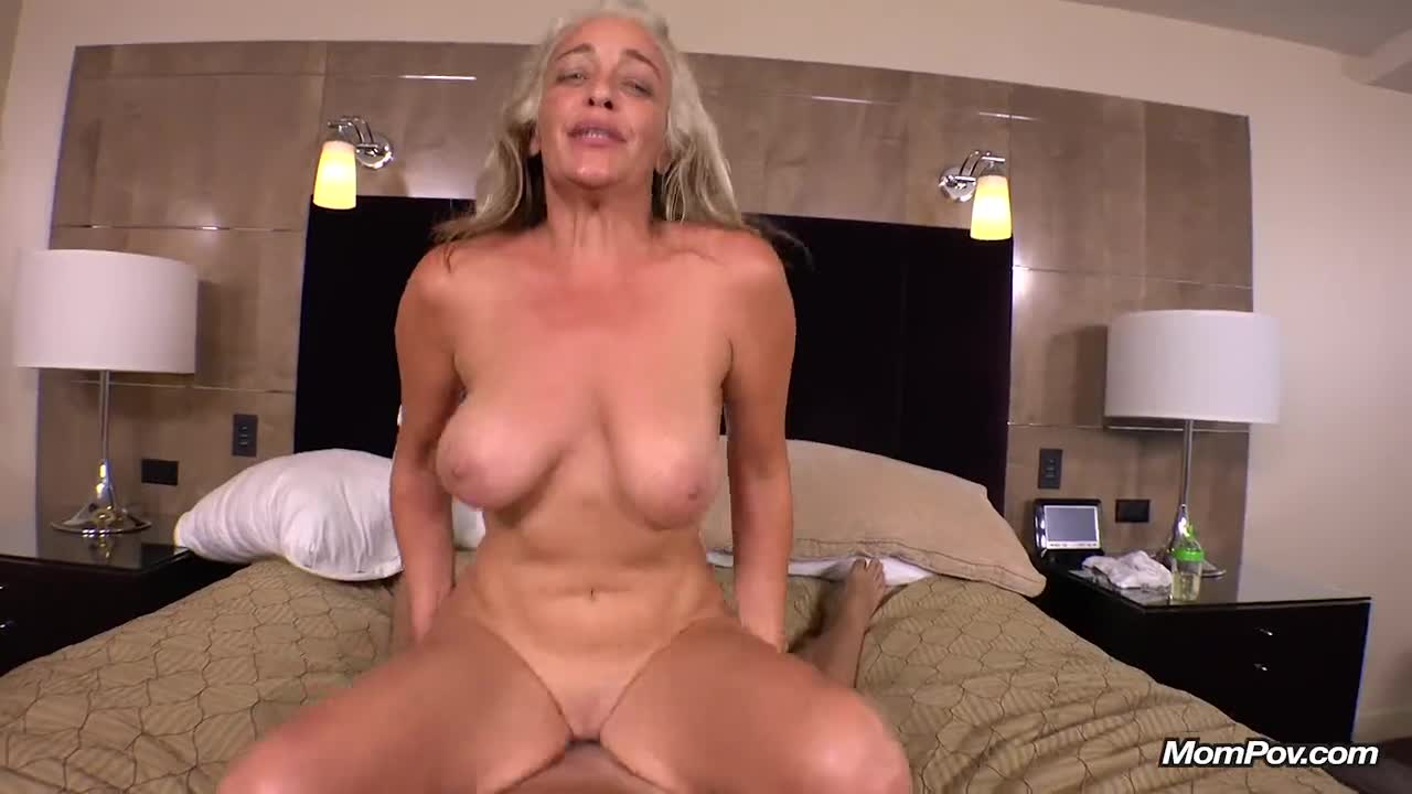 Huge Natural Tits Threesome Hd