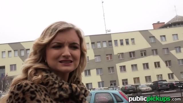 Mofos - Teen Tourist gets Exploited