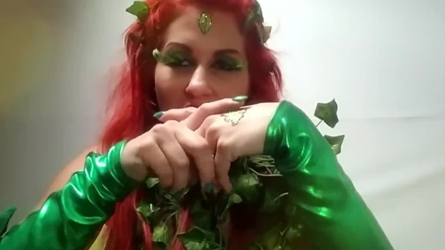 Hypersexualized Poison Ivy Give you Jerk of Instruction with her Dildo i