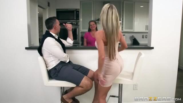 Dirty MILF Tylo Durran needs Rough Sex - Brazzers