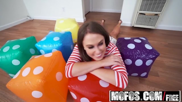 Dont Break me - Tinny College Student Brooke Bliss gets Pounded