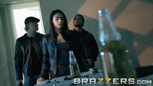 Brazzers - Valentina Nappi Loves Anal Sex