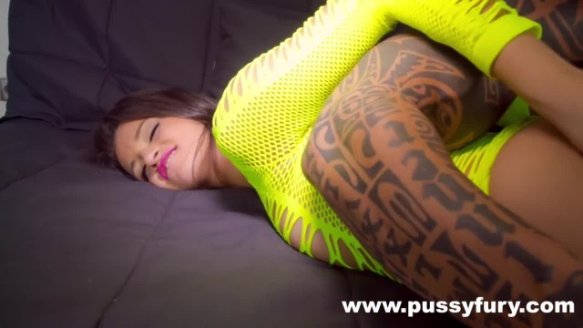 The Young Alicia Poz Fucked by a Bodybuilder ! Hardcore Sex !!