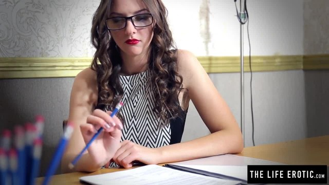 Sexy School Teacher Pushes Pencils up her Ass until she Cums
