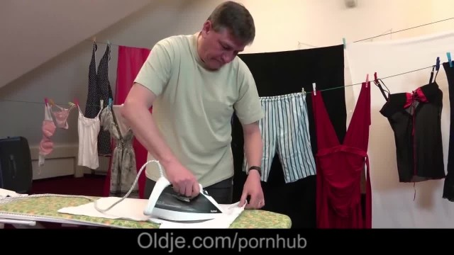 Dad Caught Cutie Teen Step Daughter Sucking old Cock Fucks Doggy Style