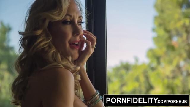 PORNFIDELITY Tight Bodied MILF Creampie Queen Brandi Love