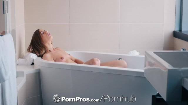 PORNPROS Sexy Bath Tub Masturbating Sydney Cole Fucked