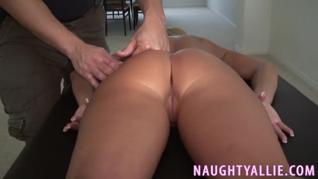 MASSAGE TURNS INTO A FUCK SESSION