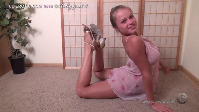 IV) Beautiful Flexible Model Molly A.k.a Regina (1 of 3)
