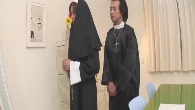 Naughty Nun Spreads Wide and Sucks Dick Hitomi Kan - more at Slurpjp.com