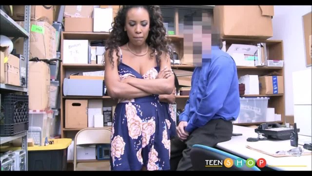 Two Young Black Step Sisters Caught Shoplifting make Fuck Deal with Officer