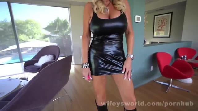 Wifey Swallows A second Cumshot