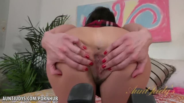 Mature MILF Lexi Foxy Anal Plugs and Fingering