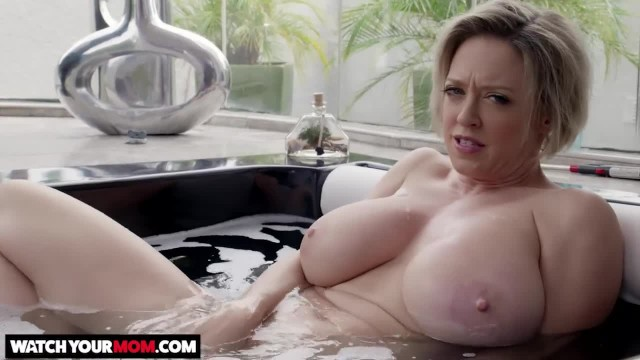 Naughty America - Hot Mom Dee Williams gets Fucked by Young Cock