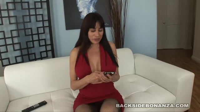 BACKSIDE Big Booty MILF Sheila Marie Loves to Fuck Big Cock