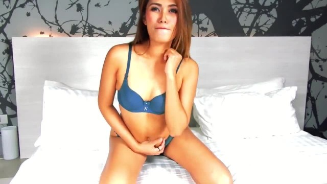 VRpussyVision.com - Girl on Photoset getting Hot with Poppers Part 2