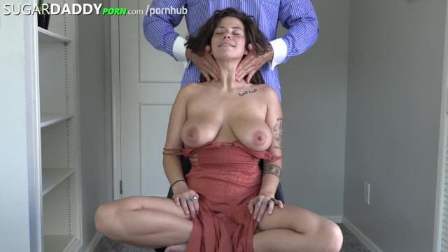 Dreadhead with HUGE Tits & ASS wants a SugarDaddy for Traveling