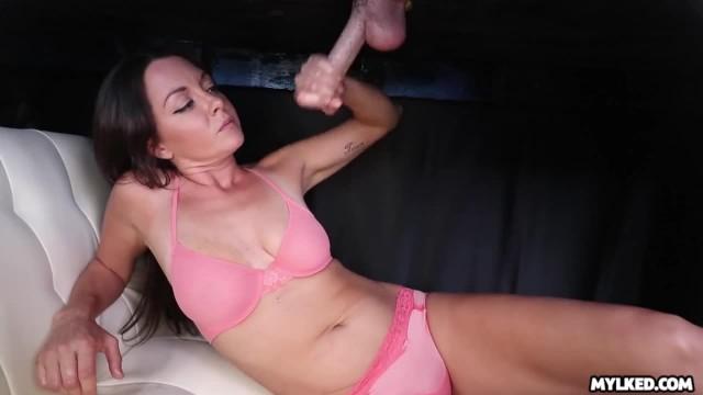 Amateur Babe Milking Cock Through Massage Table